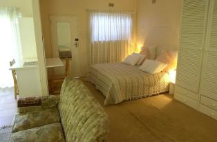 Summer Place Guest House & Bed and Breakfast